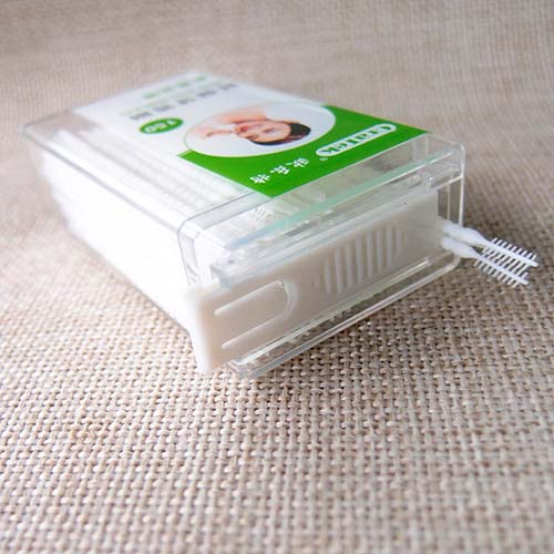 Plastic Toothpick 150 Picks Carry Container